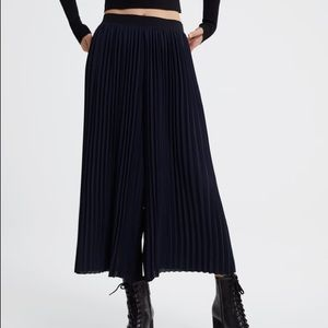ZARA Black Pleated Culotte Pants